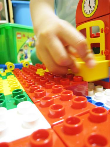 レゴで遊ぶ王子