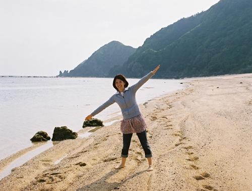 奄美大島のものすごい青い海と愛しい妻