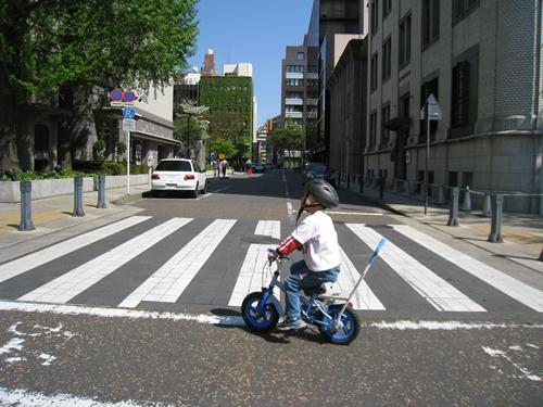 日本大通り自転車