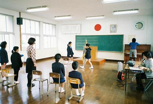 薩川小学校卒業式練習